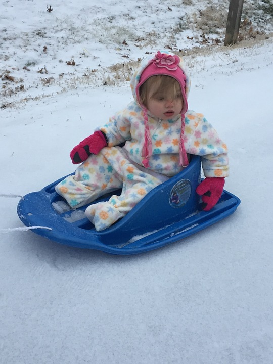 winter-sledding