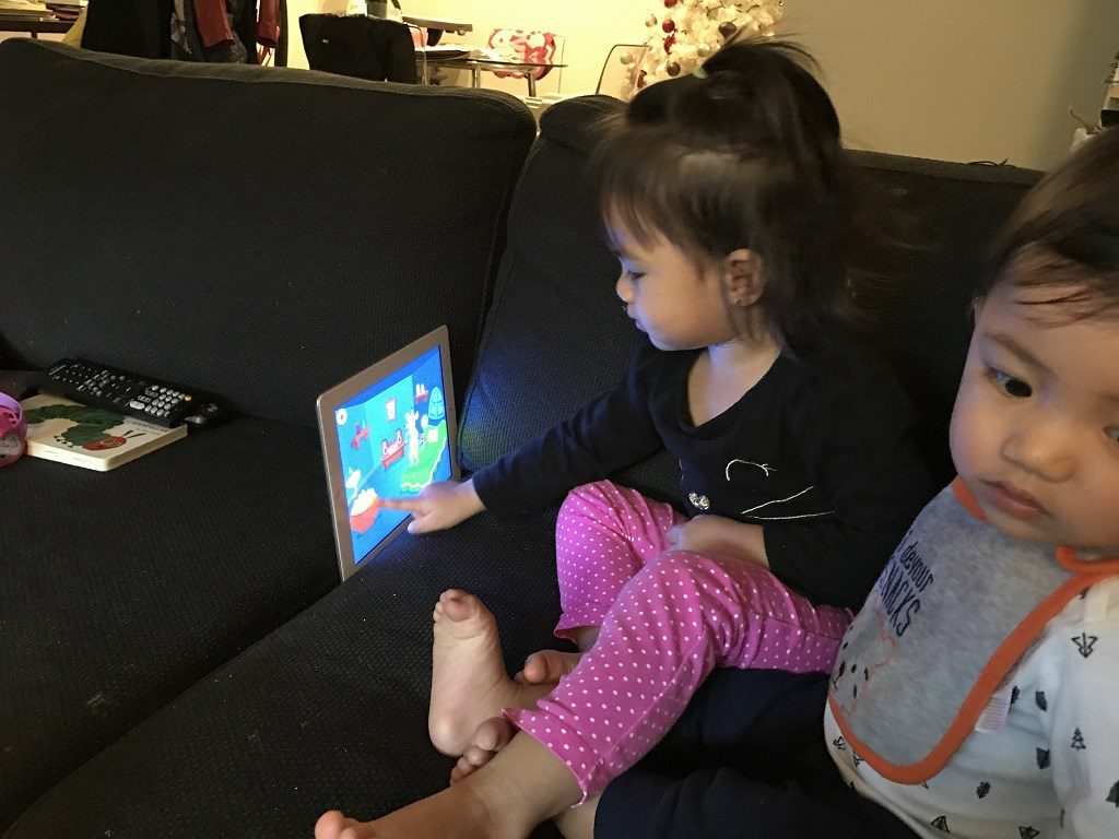 children playing with kidloland app