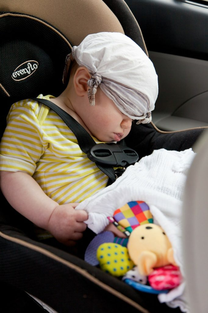 traveling with children in car