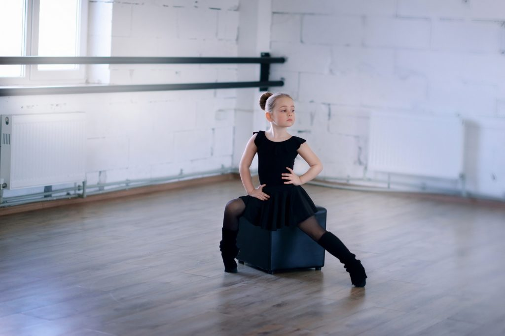 exercises_child_dancing